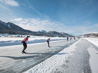 Eislaufen Weißensee ©Tine Steinthaler (Kärnten Werbung)